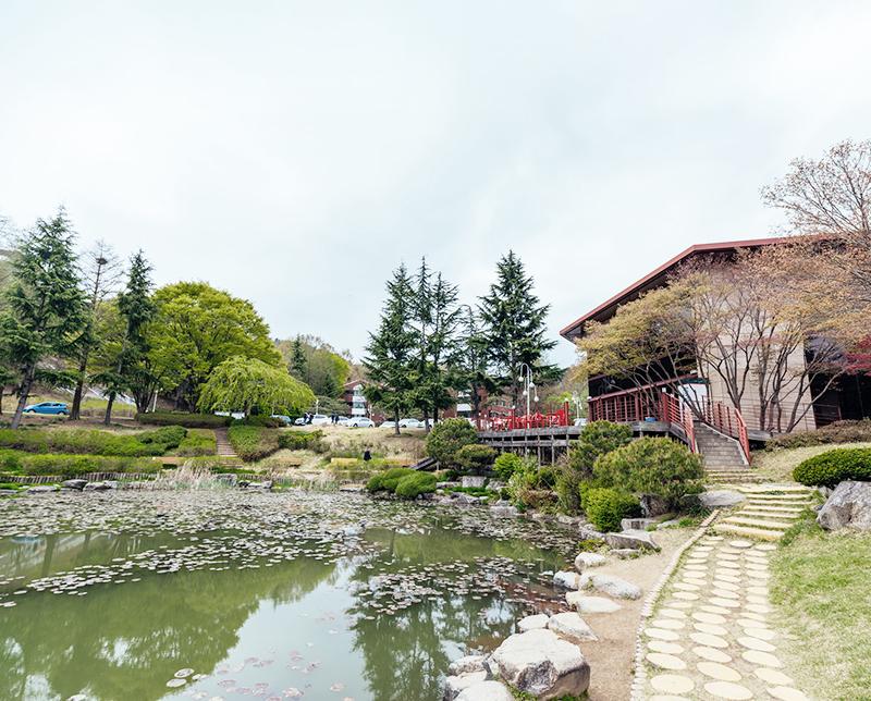 지곡회관 앞 연못 전경