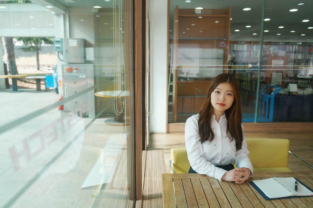제2회 한국과학문학상 대상 수상자 김초엽씨 인터뷰 이미지
